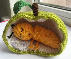 I have no need for this but I have to make one because it's so freakin' cute!