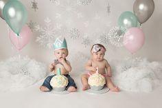twin cake smash, baton rouge baby photographer, one year old, one year photo session Twin Birthday Pictures, Twin Birthday Themes, Smash Cake First Birthday, Twin Birthday Cakes, Twin Birthday Parties, 1st Birthday Photoshoot, Twin First Birthday, Twin Cake Smash, Twins Cake