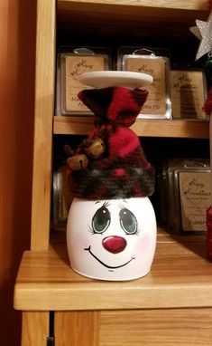 Christmas Crafts for Kids Genius Cheap DIY Dollar Store Christmas Decor Ideas - Snowmen Candle Holders Snowman Crafts, Christmas Projects, Diy Christmas Gifts, Holiday Crafts, Christmas Decorations, Christmas Ornaments, Cheap Christmas, Christmas Candle, Christmas Wine Glasses