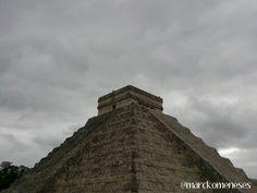 Castillo de Kukulkán. Zona Arqueológica Maya de Chichén Itzá (Yucatán, México).