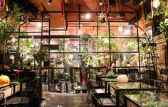 Aoyama Flower Market Tea House 5-1-2, MinamiAoyama, Minato-ku Tokyo, Japan Tel: +81 3 3400 0887 Nearest Station: Omotesando