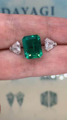 Emerald Ring Design, Emerald Jewelry, Gems Jewelry, Diamond Jewelry, Gemstone Jewelry, Jewelery, Fine Jewelry, Emerald Gemstone, Emerald Wedding Rings