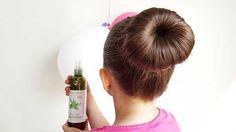 Le gel coiffant contient des substances qui peuvent agresser les cheveux. Utiliser l'aloe vera est une alternative naturelle très efficace.