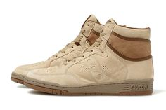White Mountaineering x Saucony 2013 Fall/Winter Suede Sneakers  I really like these!
