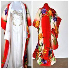 Fabulous Embroidery Japanese Kimono Silk Robe Floral