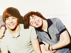 Harry Styles and Louis Tomlinson Larry Stylinson One Direction