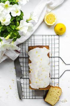 citrónový chlebíček z kysané smetany Strudel, Camembert Cheese, Dairy, Healthy Recipes, Bread, Cookies, Baking, Food, Cupcakes