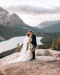 Moraine Lake Breathtaking Bridals | Banff National Park Bridals