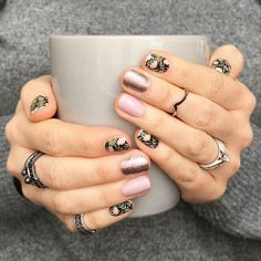 10 autumn nail designs that have nothing to do with Halloween – Nails Club Fabulous Nails, Gorgeous Nails, Pretty Nails, Get Nails, Love Nails, Hair And Nails, Jamberry Nails, Nail Wraps, Simple Nails