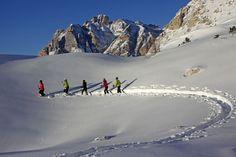 Skigebiet mit den schönsten Gipfeln der Alpen: Alta Badia in den Südtiroler Dolomiten (Italien)