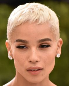 Mia Farrow eat your heart out, Zoe Kravitz's super cute pixie crop is making us want to chop our hair off ASAP.