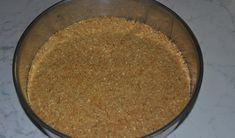 Tort Kinder fara coacere • Gustoase.net Cornbread, Ethnic Recipes, Decorating Cakes, Millet Bread, Corn Bread