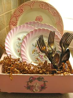 Old Drawer Dish Display--Neat!  from The Beehive Cottage