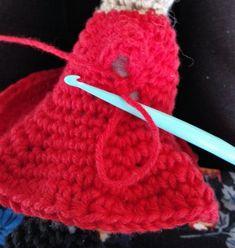Little My from Moomin – free pattern Little My, Little Things, Cardboard Toys, Thick Yarn, Moomin, Free Pattern, Winter Hats, Crochet Hats, Beige