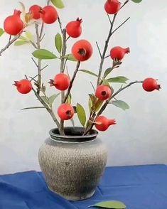 Paper Flowers Craft, Flower Crafts, Diy Flowers, Paper Crafts, Creative Arts And Crafts, Diy Crafts For Gifts, Diy Home Crafts, Handmade Flowers, Diy Art