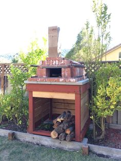 I built this oven a couple weeks ago. It's still in my back yard, getting regular use. Homemade pizza is within your reach. but maybe still use a paddle instead of your hands to get it out of your DIY brick oven. Brick Oven Outdoor, Brick Bbq, Outdoor Kitchen Bars, Pizza Oven Outdoor, Outdoor Kitchens, Outdoor Spaces, Outdoor Living, Outdoor Bars, Outdoor Cooking