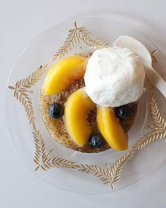 The Best Peach & Blueberry Cobbler Recipe | via @glitterguide theglitterguide.com