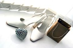 A Reason Why Ladies Prefer Wide Shoes for Her Feet Bridal Shoes, Wedding Shoes, Poker, Unique Bridal Shower, Custom Made Shoes, Dresses For Less, Experience Gifts, Wide Shoes, Consignment Shops