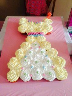 princess cupcake cake3
