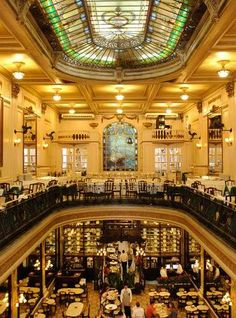 It's richness and history all around at Confeitaria Colombo. This historical cafe is situated in a well-preserved part of downtown Rio, and is full of famous and traditional pastries.