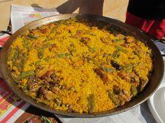 Paella tradicional valenciana (estil L'Horta) – Menjar i xarrar Paella Valenciana, Valence, Fried Rice, Food To Make, Recipies, Breakfast, Healthy, Ethnic Recipes, Malu