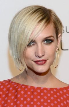 Ashlee Simpson Asymmetrical Short Hair