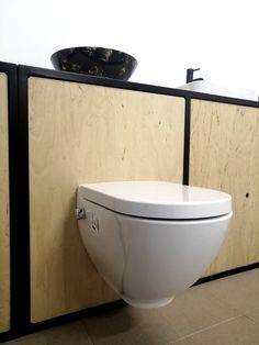Na naszej ekspozycji zobaczysz jedną z naszych misek - Harmony Ma. Jeśli masz pytania to chętnie odpowiemy na nie podczas Twojej wizyty w sklepie lub telefonicznie🤩  #miskawc #bidet #sklepstacjonarny #skleponline #higiena #ekologia #woda #łazienka #inspiracja #fachowedoradztwo Bathroom, Washroom, Full Bath, Bath, Bathrooms