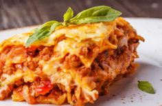 Bolognese – Hier gibt's das beste Rezept der Welt Die besten Lasagne-RezepteBolognese (disambiguation) Bolognese is someone or something from the city of Bologna. Bolognese may also refer to: World's Best Food, Good Food, Burger Recipes, Grilling Recipes, Spaghetti Recipes, Pasta Recipes, How To Cook Lasagna, Cooking Lasagna, Lasagna Pan