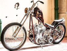 "Custom Harley-Davidson EL/FL ""Knucklehead"" chopper   Suicide clutch & jockey shifter   Single row chain primary drive   One-off hardtail frame & various parts   Modrrn hydraulic fork   Frisco style gas tank"