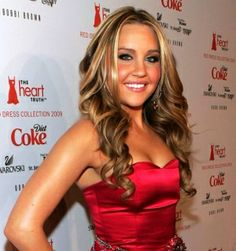 Amanda Bynes Amanda Bynes hasn't been in a movie or on a television show for many years. She is currently attending college to become a fashion designer and has come out publicly saying that she was quitting the Hollywood life. Amanda Bynes, Easy A, Jesse Mccartney, Nick Cannon, Glamour, Fashion Designer, Plastic Surgery, Dress Collection, Celebrity News