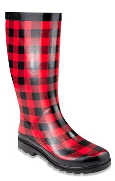 love these checkered rain boots
