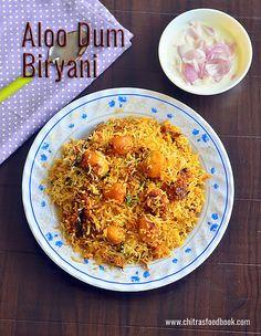 How to make aloo dum biryani recipe,baby potato biryani - Recipe with video Veggie Recipes, Indian Food Recipes, Gourmet Recipes, Healthy Recipes, Ethnic Recipes, Rice Recipes, Veggie Food, Potato Gravy, Veg Biryani