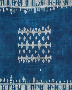 "Karuncollection on Instagram: ""Tunisian shawl detail, C1900, indigo dyed wool and cotton. Some of these shawls are illustrated in my book on African Textiles, Prestel.…"" African Textiles, Indigo, My Books, Wool, Detail, Shawls, Illustration, Prints, Cotton"
