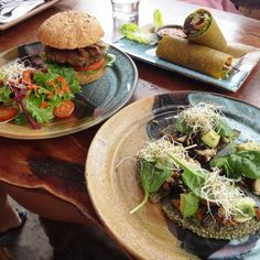 Raw Power Café specialises in vegetarian cuisine. They serve healthy food from breakfast to lunch, from self-service salads to hot meals and juice. City Restaurants, Vegan Recipes, Vegan Food, Auckland, Places To Eat, Salads, Central City, Lunch, Meals