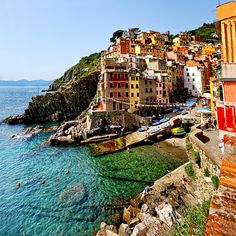 #ridecolorfully down to the sea                                                                                                                                                           Cinque Terre                                                    ..