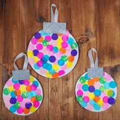 Plate Christmas Baubles A simple DIY kids craft for Christmas that is bright and colourful and perfect for preschoolers.A simple DIY kids craft for Christmas that is bright and colourful and perfect for preschoolers. Preschool Christmas Crafts, Christmas Arts And Crafts, Holiday Crafts, Christmas Diy, Christmas Decorations, Christmas Baubles, Classroom Crafts, Snowman Crafts, Christmas Crafts Paper Plates
