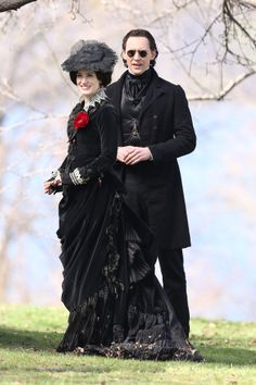 Tom Hiddleston and Jessica Chastain film scenes for Guillermo del Toro's new movie 'Crimson Peak' on May 6, 2014 [HQ]