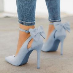 Blue Point Toe Stiletto Bow Fashion High-Heeled Shoes Blue Point Toe Stiletto Bow Fashion Schuhe mit hohen Absätzen The post Blue Point Toe Stiletto Bow Fashion Schuhe mit hohen Absätzen & Heels appeared first on Shoes . Women's Shoes, Me Too Shoes, Shoe Boots, Cute Shoes Heels, Shoes Style, Shoes Sneakers, Wedding Shoes Heels, Strappy Shoes, Shoes For Prom
