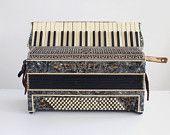 castelli accordion, antique accordion, vintage accordion, accordion, musical instrument