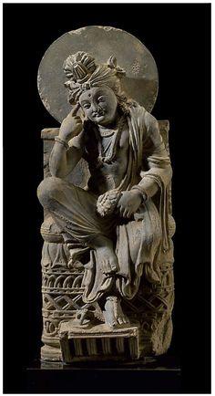 PAKISTAN A gray schist figure of a pensive bodhisattva Gandhara, century - Greco-Buddhist art Buddha Sculpture, Lion Sculpture, Buddha India, Statues, Alexandre Le Grand, Asian Sculptures, Southeast Asian Arts, Buddhist Art, Sacred Art