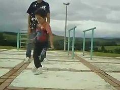 ! INCREDIBIL ce poate face acest copil mic ! talentat    http://www.descoperi.ro/incredibil-ce-poate-face-acest-copil-mic-talentat-2/