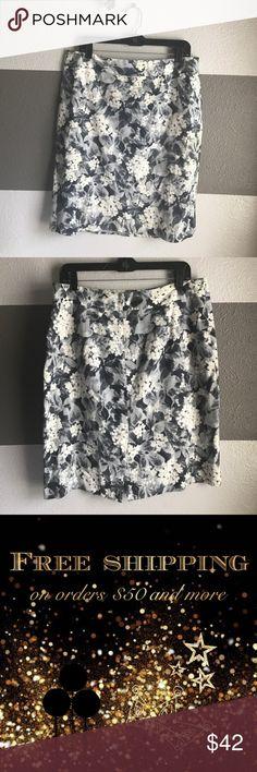 Talbots Pencil Skirt Beautiful floral pencil skirt made by Talbots. Size 12. No flaws. Talbots Skirts Pencil