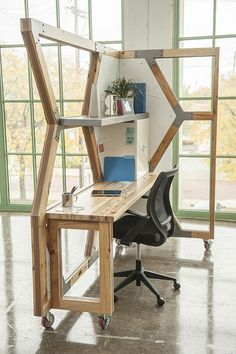 HIVE Workstation (photo: r. muller) designed by abeco. Reclaimed wood.