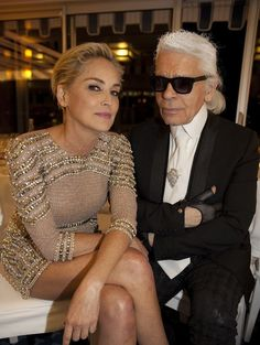 Sharon Stone et Karl Lagerfeld Sharon Stone, Vanity Fair, Karl Lagerfeld Choupette, Karl Otto, Advanced Style, Carolina Herrera, Style Icons, Fashion Models, Beautiful People