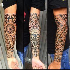 Tatouage Homme Maori Polynesien Sur Bras Tattoo Logo Pinterest