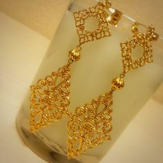Cleaner For Gold Jewelry Code: 6325888181 Jewelry Design Earrings, Gold Earrings Designs, Ear Jewelry, Gold Jewelry, Jewelry Making, Gold Bangles Design, Gold Jewellery Design, Gold Bridal Earrings, Bridal Jewelry