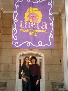 Kappa Alpha Theta Mom's weekend banner.. Cute idea!