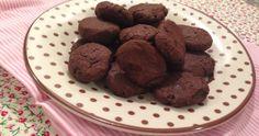 Há tempos eu estava querendo uma receita de cookies low carb que fosse fácil, saborosa e sem açúcar, é claro. Até que encontrei esta aqui e resolvi testar numa noite dessas! Era exatamente estes cookies low carb que eu procurava!...Leia mais...