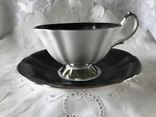 Queen Anne Fine Bone China Footed Teacup & Saucer Set in Great Condition