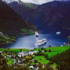 #travelingram #worldtraveler #welltravelled #travelblog #travelphoto #travelstoke #travelawesome